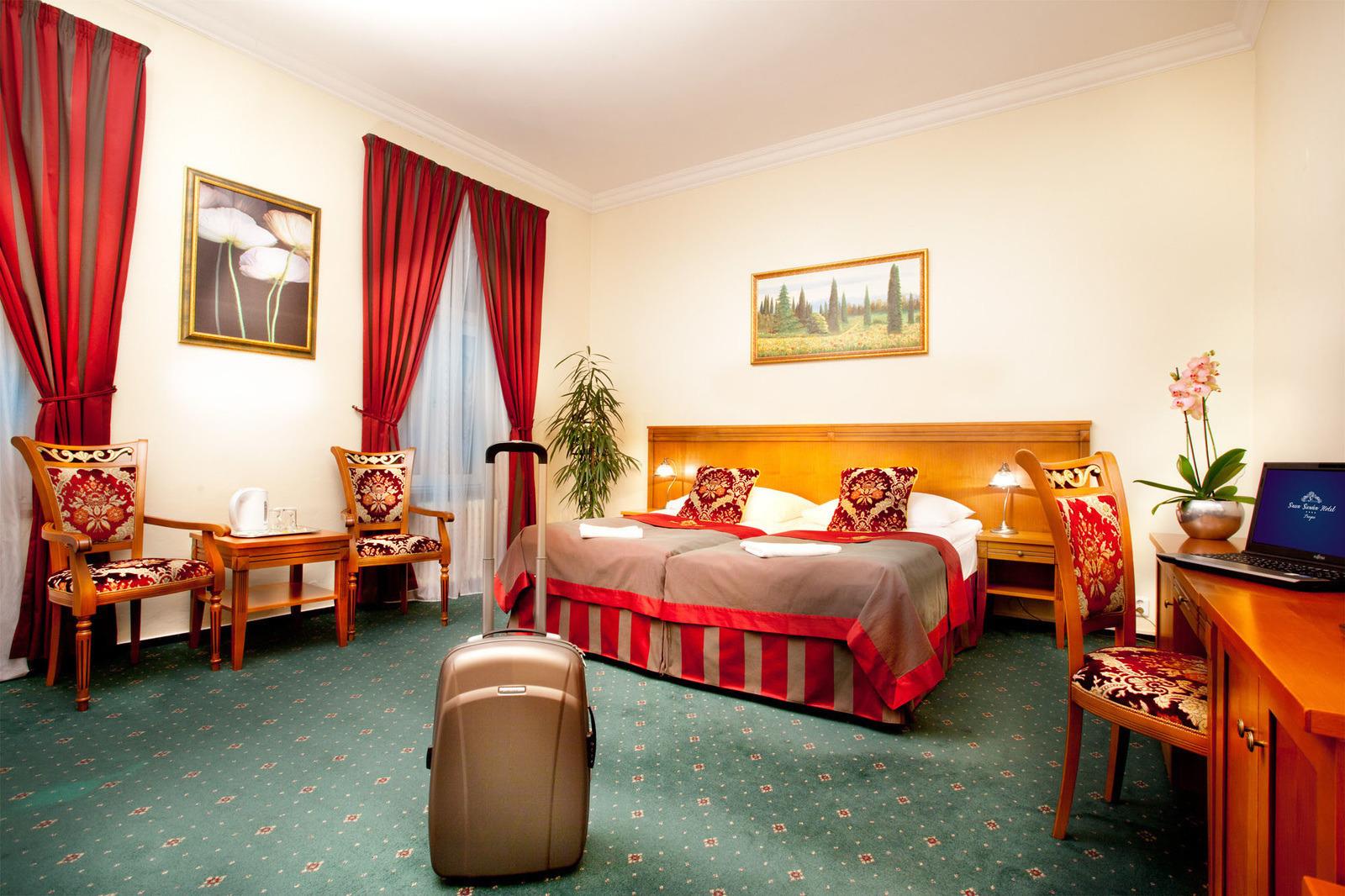 Superior rooms hotel green garden praha for Green garden rooms