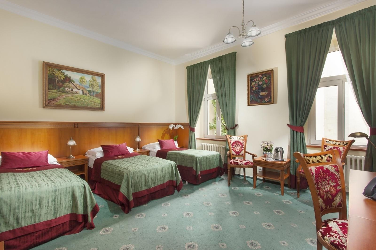 Habitaciones del hotel green garden hotel en praga for Green garden rooms