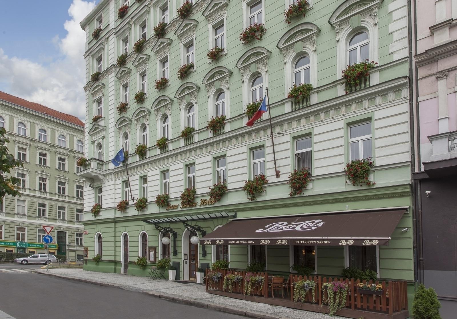 Green Garden Hotel Prague 4 Star Family Hotel In Prague
